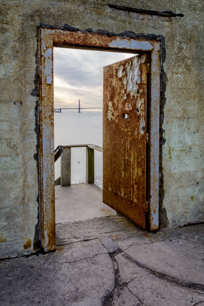 Color Beginner Open_The rusty door_Bob Kozera_20170223_Honorable Mention
