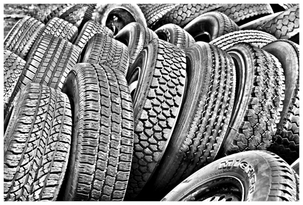 Special TopicCirclesMonochrome Beginner_Tire Patterns and Textures_Tricia Lea Rhodes_20171116_Medal