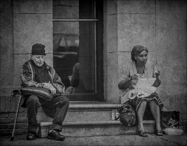 Monochrome Beginner Open_Sitting Outside with Company_Lois Wilkes_20161117_1st Place